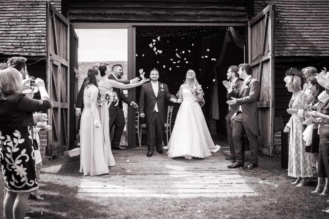 Wedding-Couple-Confetti