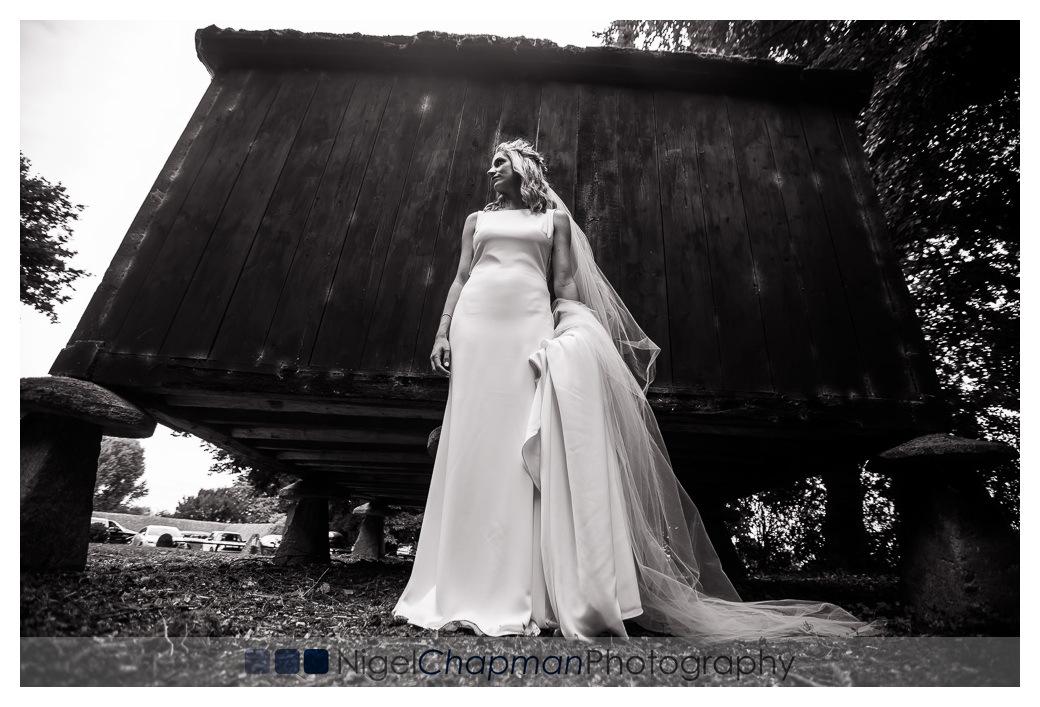 Lains Barn Wedding, Nigel Chapman Photography, Oxfordshire Weddi