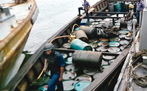 Navy Arrests  Vessels over illegal activities in Lagos