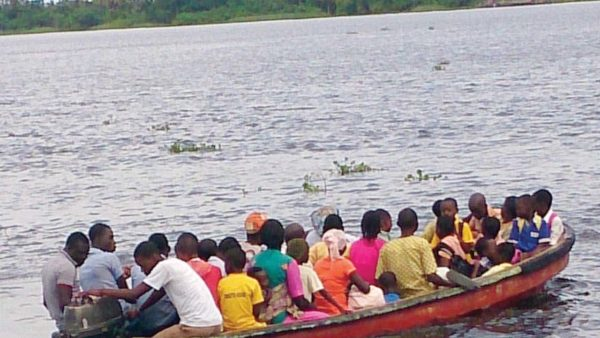 Lagos government urges boat operators against alcoholism on duty.