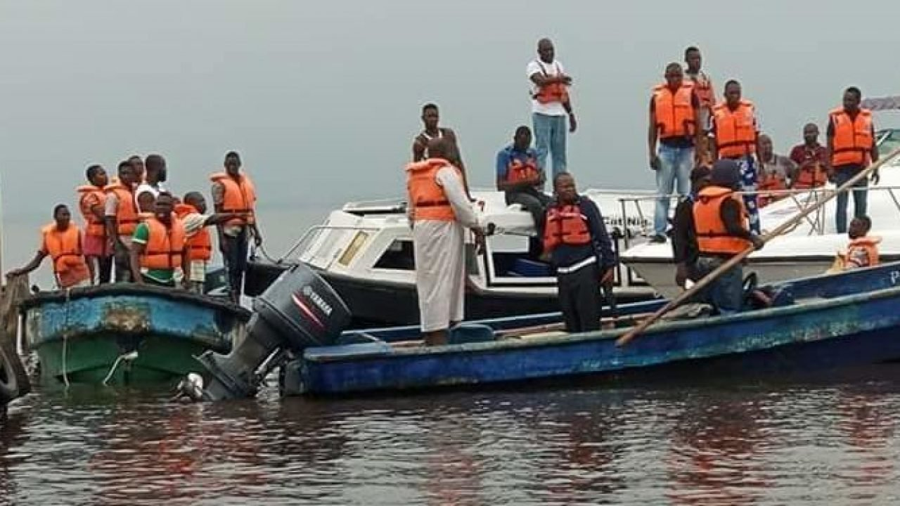 Boat Mishap, Journalists escape death