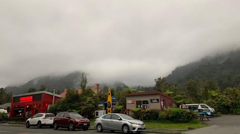 New Zealand volcanic eruption kills 5, over 24 people missing