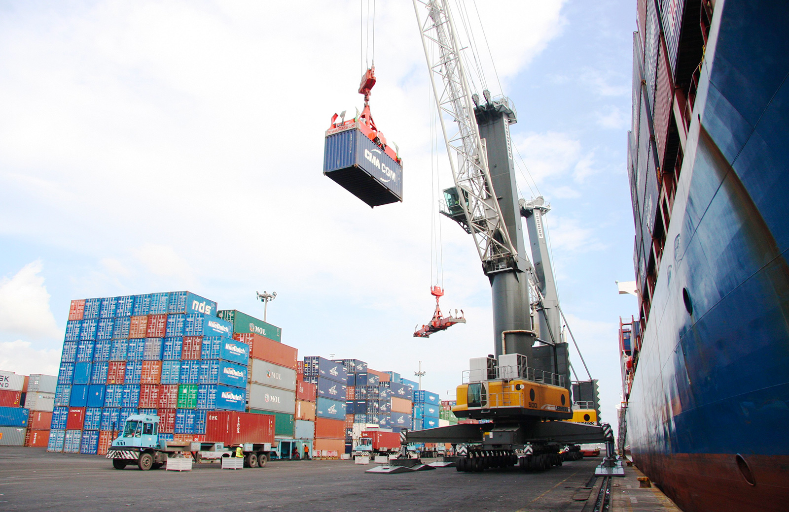 NPA, APMT to fashion out modalities and processes on truck management at the port