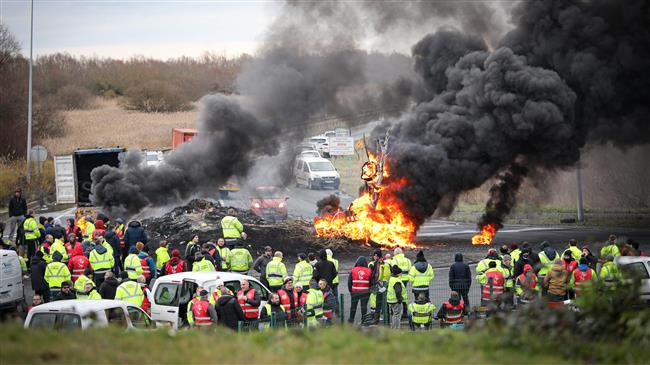 French transport strike: Unions remain adamant