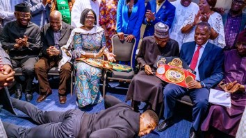 Anthony Joshua prostrates to buhari
