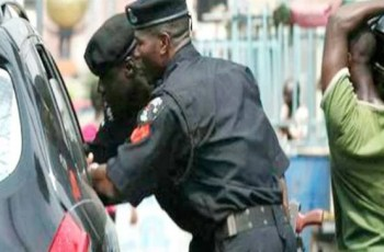 Tips on How Drivers Should Behave at Nigerian Police Check Points