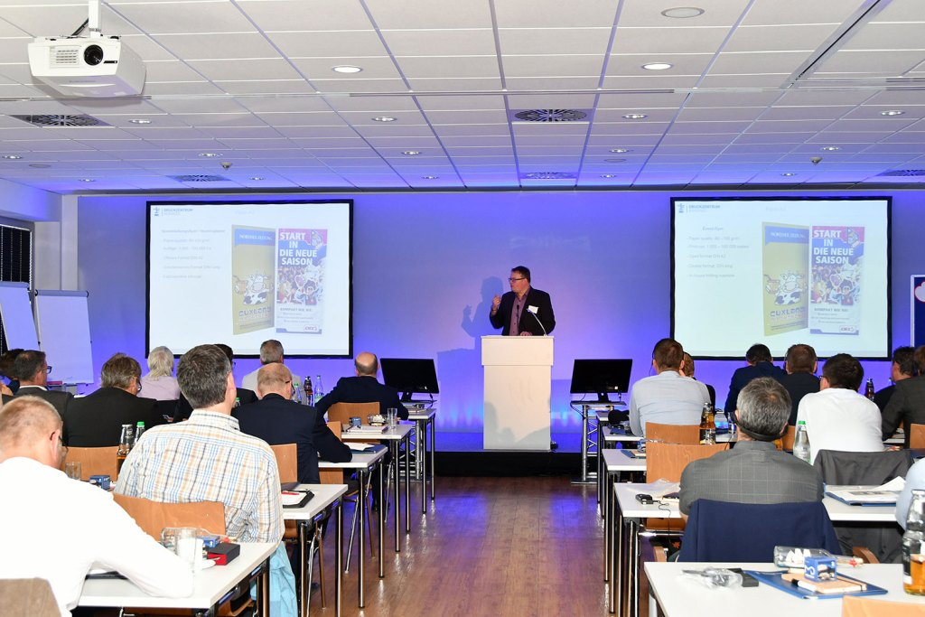 Lars Cordes, production manager at Druckzentrum Nordsee, reported on new applications for the waterless print process.