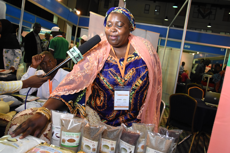 Mme Liman Aminatou, Directrice Entreprise De Transformation Cerealieres
