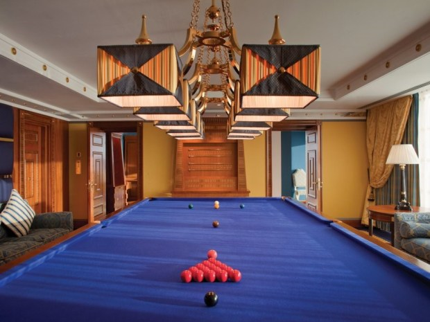 snooker room in dubai hotel