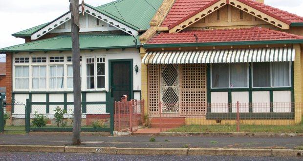 Detached houses Vs semi detached houses