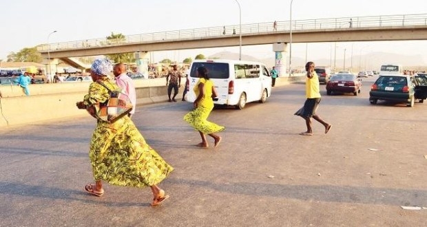 Reps move to enforce the use of pedestrian bridges