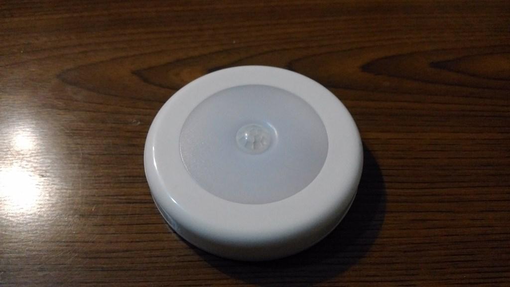 電池式 人感センサーLEDライト レビュー