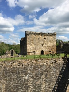 Craignethan Castle isn't much to look at from the outside, but the rooms are very fun to explore! (c) ABR 2016