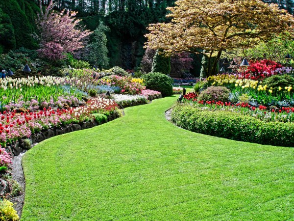 contract landscaping company