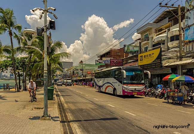 Roter Bus Pattaya