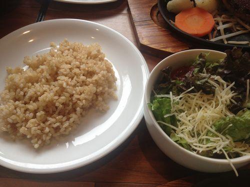 筋肉食堂玄米サラダセット