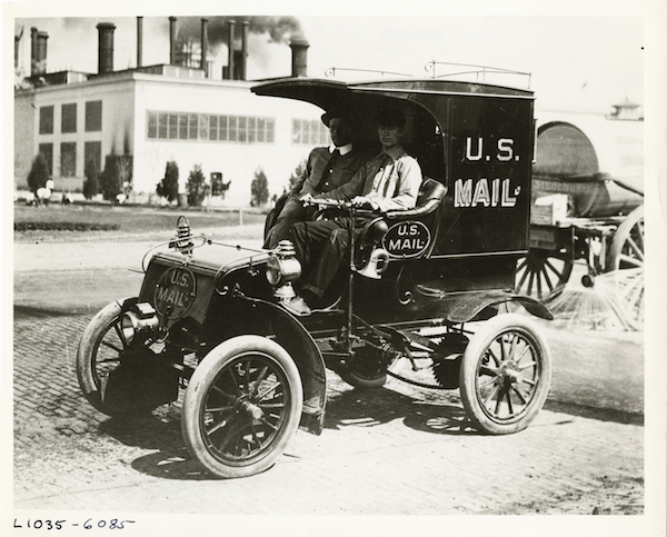 us-mail-truck