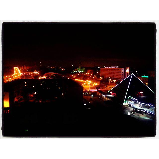 Витебск ночью. Первый раз был в этом городе, но только в тёмное время суток... Оказалось -красивый, древний (974 г.) город...