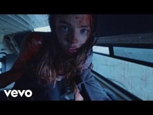 Это не новый клипа Ленинграда, а действительно хорошй клип, со схожей идеей: The Weeknd — False Alarm