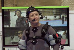 ウルトロンを演じる為、センサーを付けられているジェームズ 典拠:  digitalspy.com