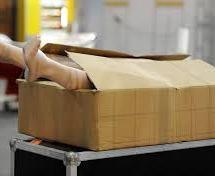 Frau in Japan verschickt Leiche mit der Post