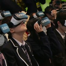Japanische Schüler trugen während ihrer Aufnahmezeremonie VR Headsets!