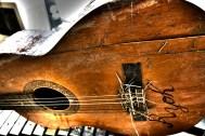 Ryoh's guitar.