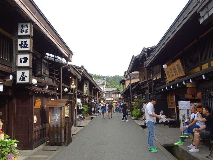Takayama la vieille ville traditionnelle du Japon