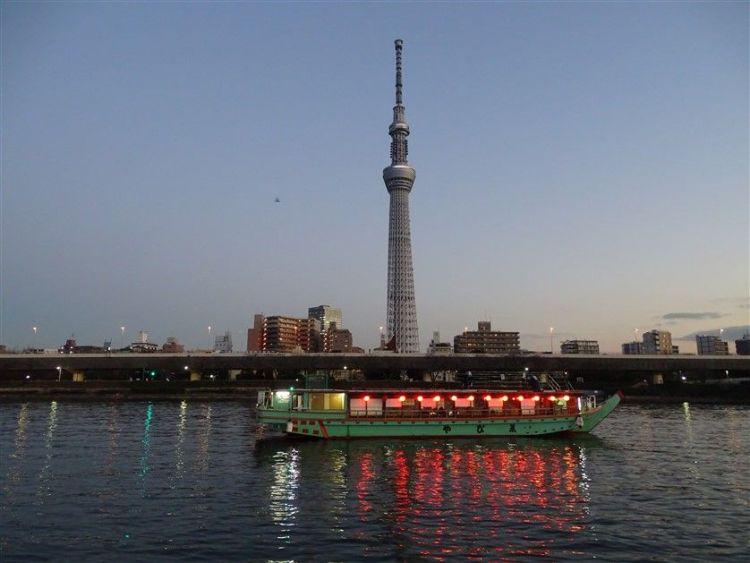 Se promener près de la Sumida à Asakusa