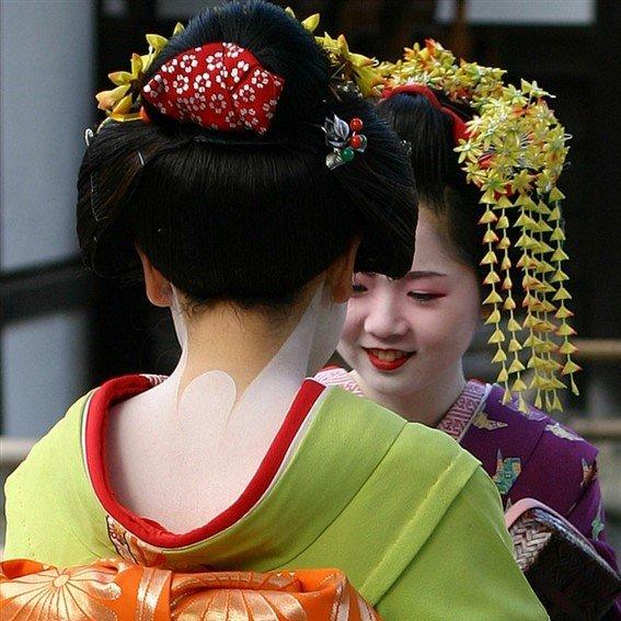 Les japonaises deviennent des Geisha dans la tradition
