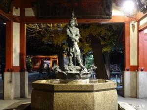 Asakusa by night (7)