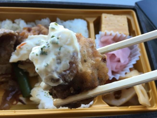 黒毛和牛焼肉とチキン南蛮弁当 西麻布吾空 羽田空港お弁当 (1)