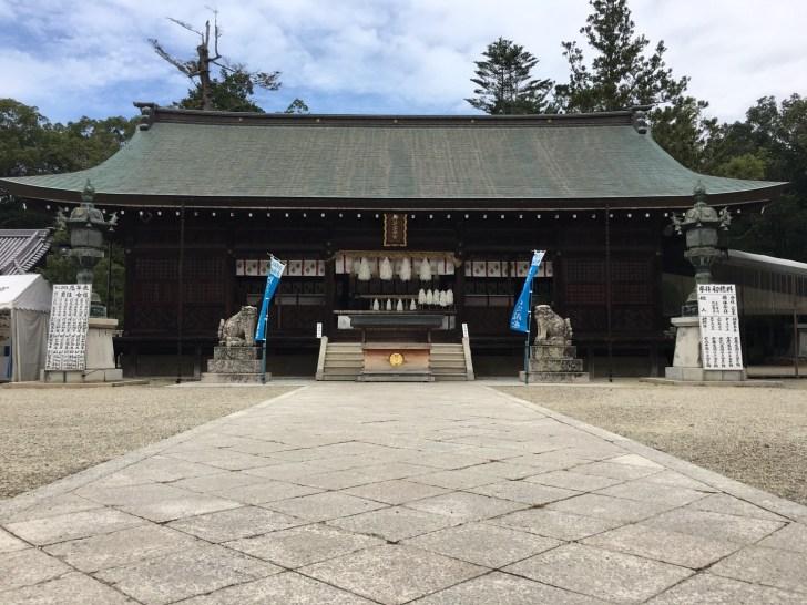 伊弉諾神宮拝殿