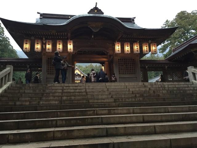 弥彦神社の初詣は混雑している?駐車場は?屋台は出る?