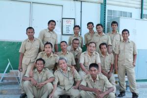 pekerja niki four