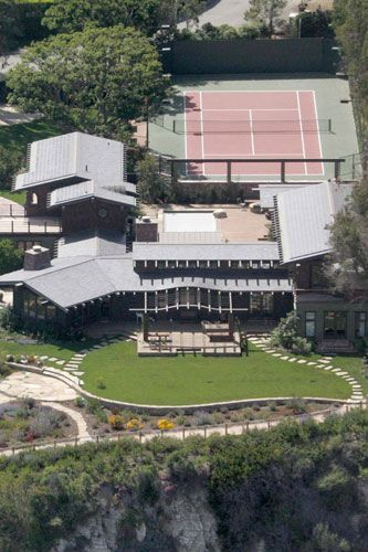 Julia Roberts' cabin in the Point Dume area of Malibu 2008