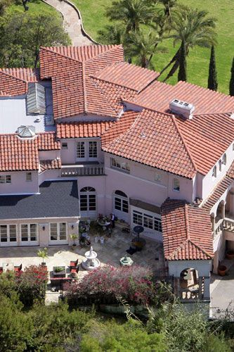 Kirstie Alley's home in Los Feliz estate 2005