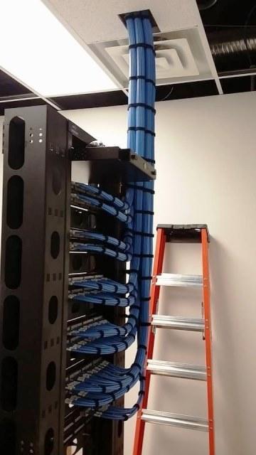 Cabling Organization Paling Rapi di Server Rack Data Center - Best Rack Cabling Management Arrangement Design 11