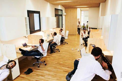 Kontraktor Karawang Jasa Perawatan Gedung dan Kantor - Clean modern office - michael menuet-2