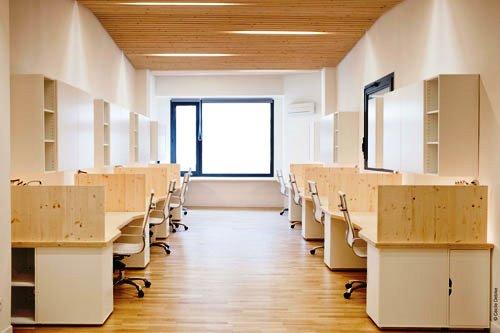 Kontraktor Karawang Jasa Perawatan Gedung dan Kantor - Clean modern office - michael menuet-6