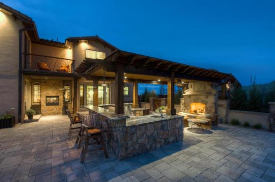 Gambar Desain Rumah Mewah 15