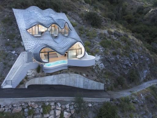 Rumah Aneh