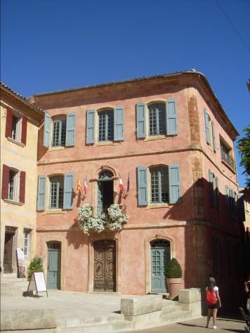 Roussillon Rathaus