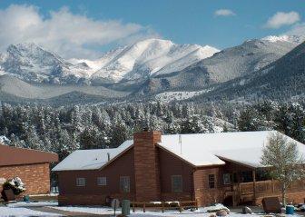 ymca-lodge-in-winter1