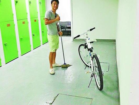 蔡其皓開「單車迷你倉」做老闆