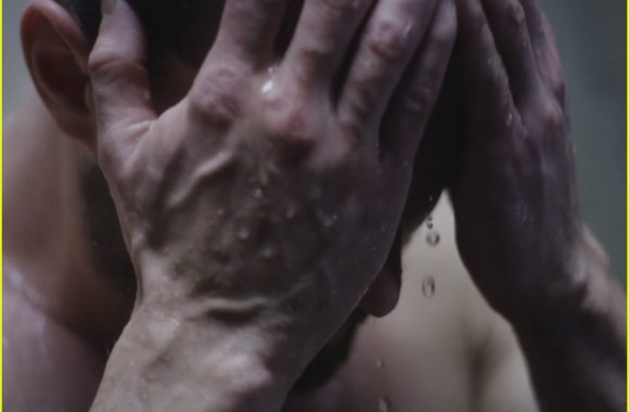 jamie-dornan-shower-the-fall-preview-02