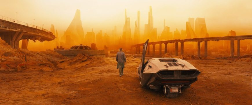 """ИСТОРИЯ ПОВТОРЯЕТСЯ? """"БЕГУЩИЙ ПО ЛЕЗВИЮ 2049"""" ПРОВАЛИВАЕТСЯ В ПРОКАТЕ!"""