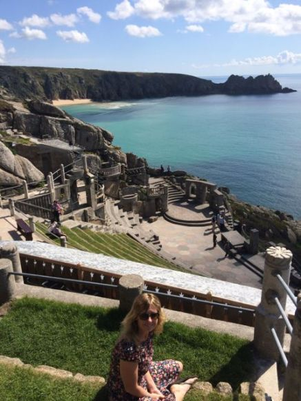Cliffside ampitheatres and beaches