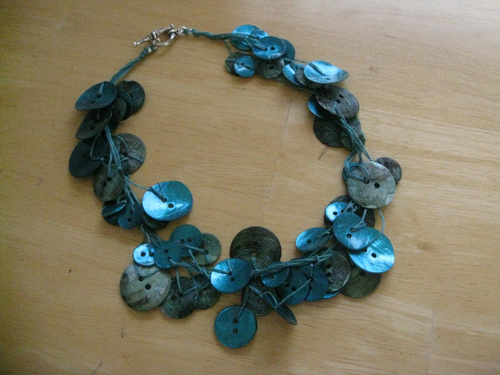 DIY Button Necklace Round Up