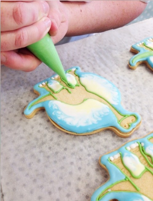 nilaholden disney sweets & cakes good dinosaur biscuits